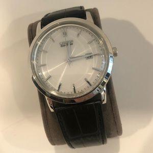 Citizen eco drive watch black leather silver E111